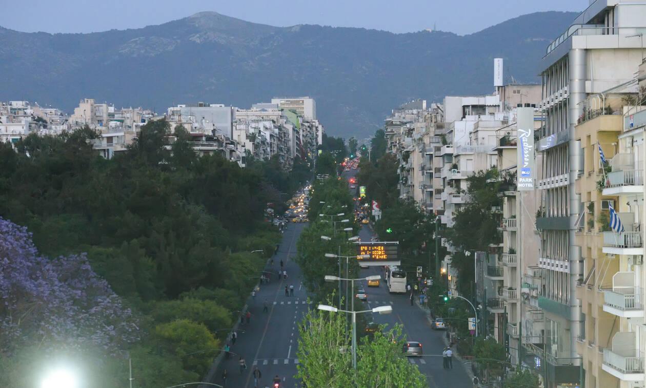 Τρόμος για πασίγνωστο παρουσιαστή στο κέντρο της Αθήνας – Δείτε τι έγινε (pics)