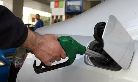 «Εφιάλτης» για πρατηριούχο στο Αγρίνιο: Έβαλαν 40 ευρώ βενζίνη - Δείτε πώς τον πλήρωσαν!