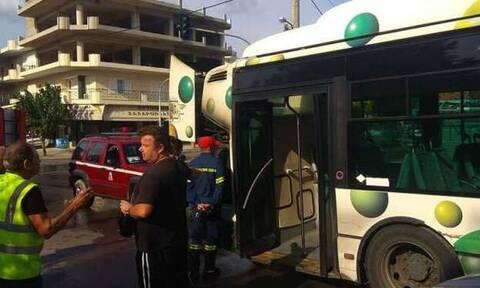 Φωτιά σε λεωφορείο στις Αχαρνές (pics)