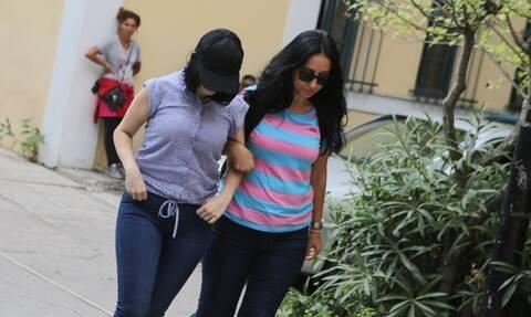 Αναβλήθηκε η δίκη της 19χρονης που εγκατέλειψε το βρέφος της – Αίτημα για ψυχιατρική εξέταση