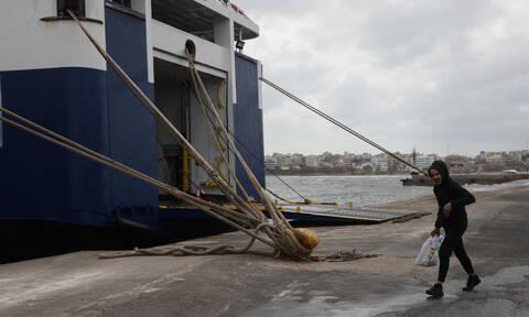 Απαγορευτικό απόπλου: Σε ποια λιμάνια είναι δεμένα τα πλοία