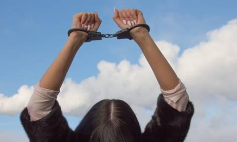 Έφηβη έκλεβε λεφτά από τους γονείς της – «Πάγωσαν» οι αστυνομικοί όταν ανακάλυψαν τον λόγο