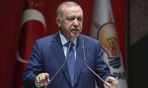 Νέο «χτύπημα» Ερντογάν: «Θα σας γεμίσω με πρόσφυγες» - Απειλεί με «θερμό» επεισόδιο ο σουλτάνος