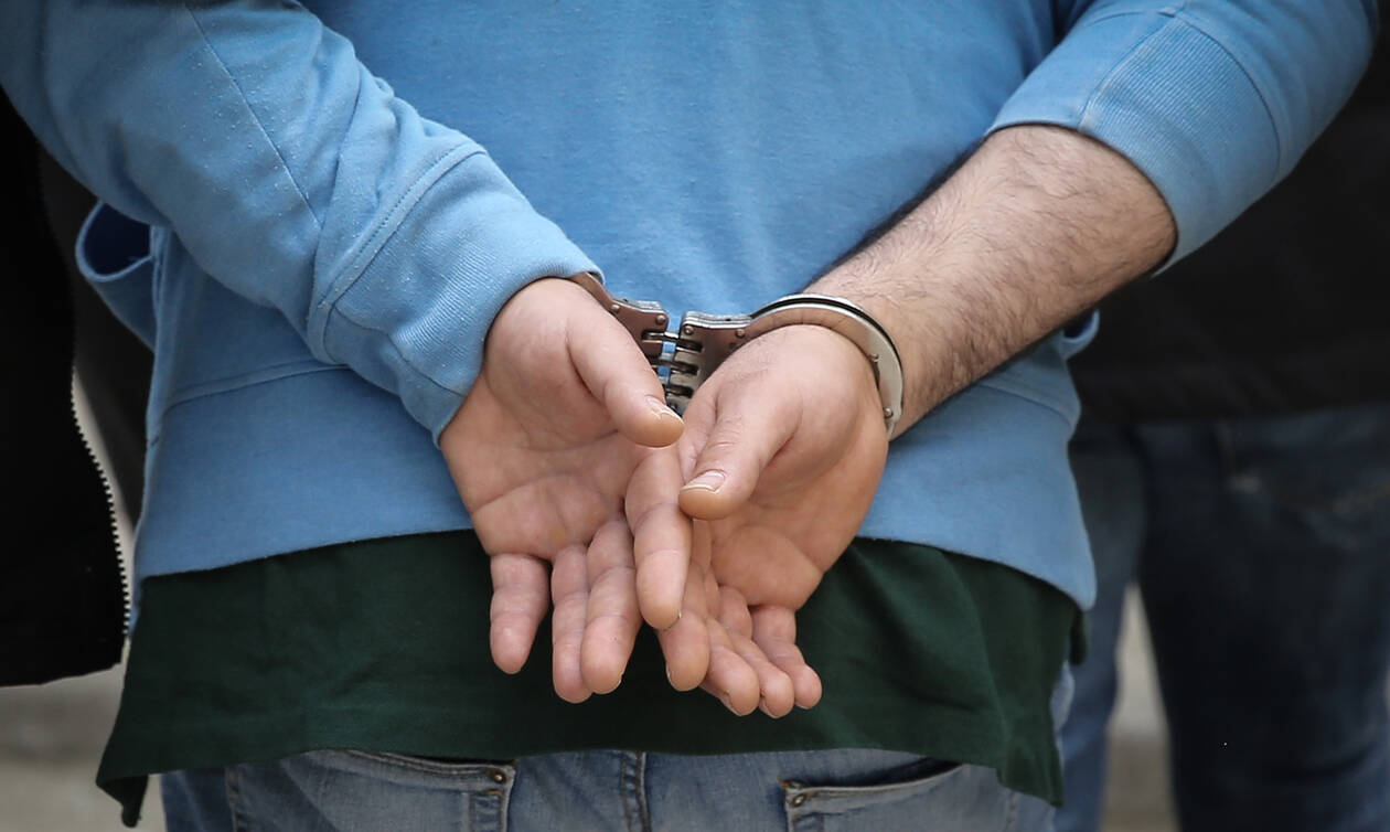 Κρήτη: Τον σταμάτησαν για έλεγχο - «Πάγωσαν» οι αστυνομικοί με όσα βρήκαν