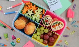 Δείτε πώς θα ετοιμάσετε ένα lunch box με wrap