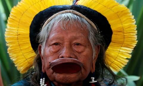 Ο 89χρονος ιθαγενής αρχηγός Ραονί, υποψήφιος για το Νόμπελ Ειρήνης