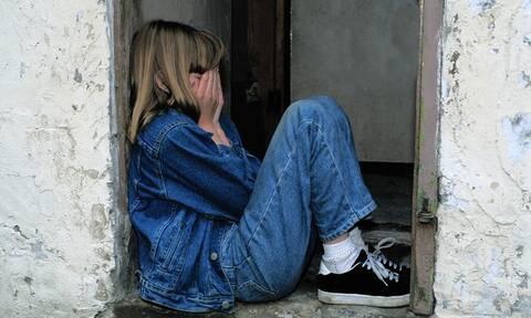 Σοκ στη Βόρεια Ελλάδα: Σάτυρος εκβίαζε ανήλικη για να αποσπάσει πορνογραφικό υλικό