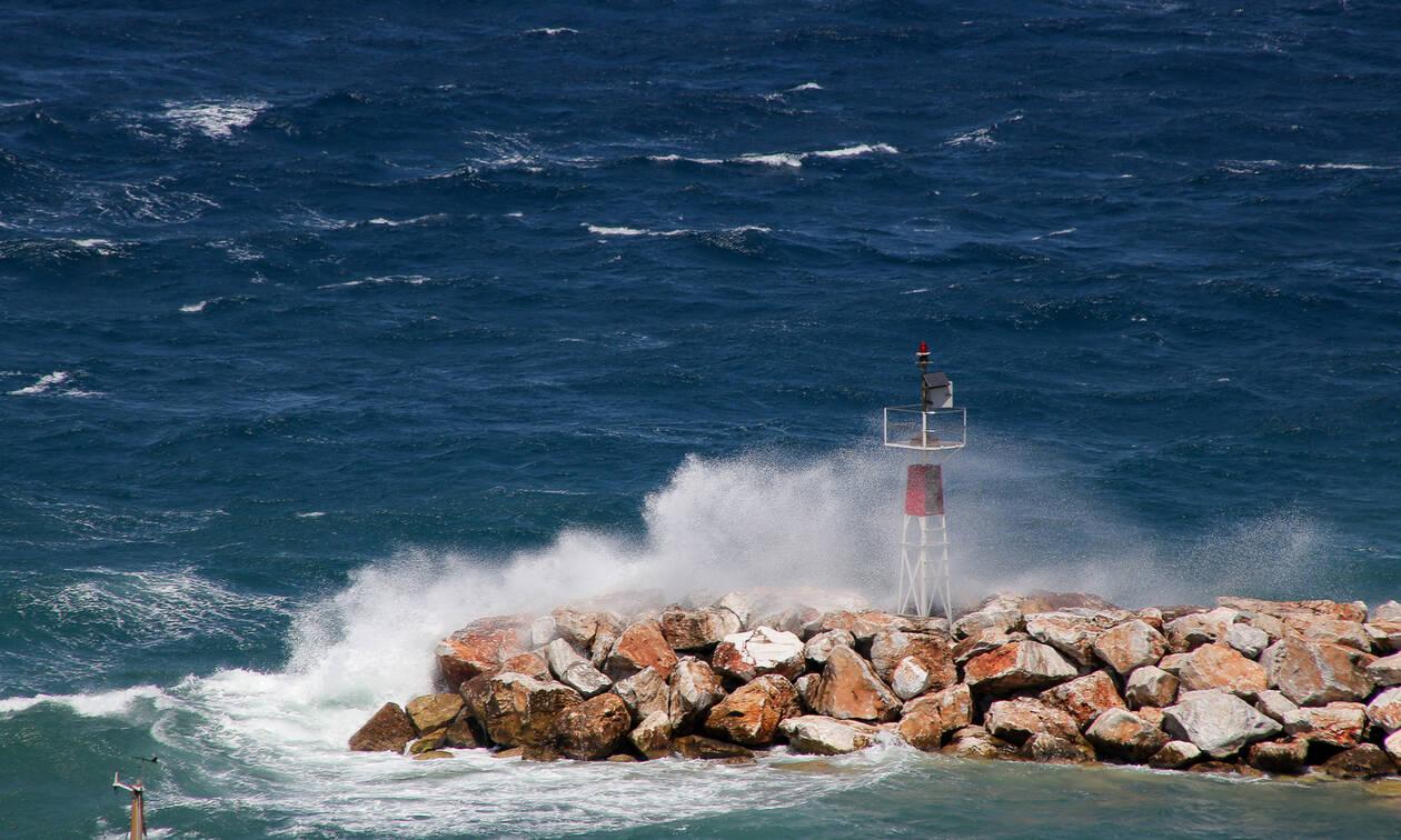 Καιρός: Θυελλώδεις άνεμοι στο Αιγαίο και τη Δευτέρα (16/09) – Πού θα φτάσει ο υδράργυρος
