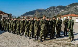 Στρατιωτική θητεία: Θα αυξηθεί τελικά ή όχι; Τι υποστηρίζει η κυβέρνηση