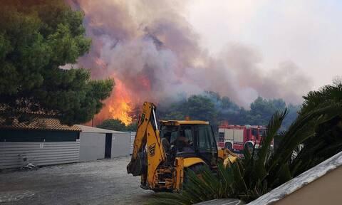 Пожар на острове Закинфос не удается взять под контроль