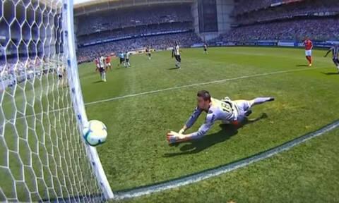 Το πιο... κουφό γκολ της χρονιάς στη Βραζιλία - Κεφαλιά... αυτονομήθηκε και πήγε στα δίχτυα!