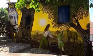 Νότια Εύβοια: Ένα ολόκληρο χωριό μεταμορφώνεται - Δείτε τι συμβαίνει