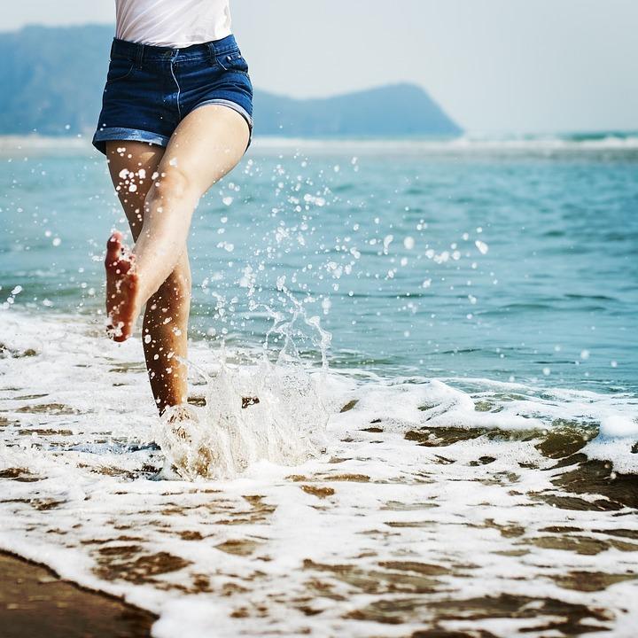 barefoot-1985858_960_720.jpg
