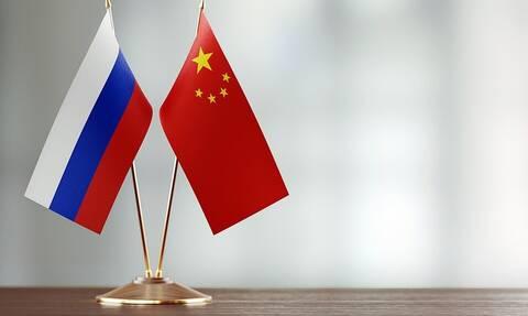 Медведев на встрече с Ли Кэцяном подчеркнул высокий уровень партнерства России и Китая