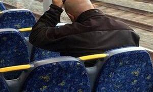 Τραγικός: Μπήκε στο τρένο και άρχισε να... (pics+vid)