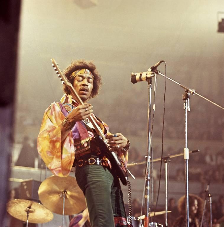 Τζίμι Χέντριξ: Σαν σήμερα το 1970 πεθαίνει ίσως ο σπουδαιότερος κιθαρίστας όλων των εποχών (Vids)