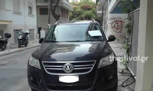 Θεσσαλονίκη: Πάρκαρε κάθε μέρα στο πεζοδρόμιο – Το απίστευτο μήνυμα του γείτονα (pics)