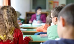 Όταν οι γονείς δεν συμπαθούν τη δασκάλα του παιδιού τους