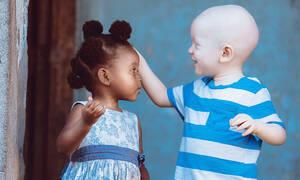«Αγάπη είναι…» - Η απάντηση μέσα από φωτογραφίες (pics)