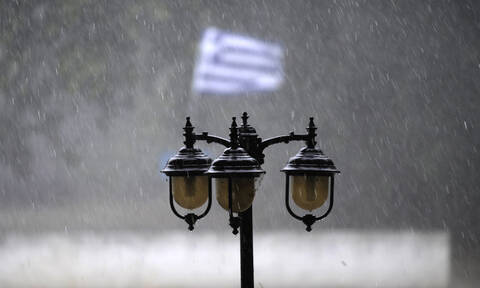 Έκτακτο δελτίο επιδείνωσης του καιρού: Έρχονται βροχές, καταιγίδες, θυελλώδεις άνεμοι και κρύο