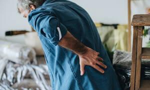 Χρόνιος πόνος, πρήξιμο & φλεγμονή: 11 τροφές που επιδεινώνουν τα συμπτώματα (εικόνες)