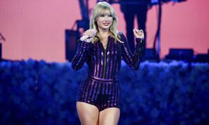Η Taylor Swift βγαίνει σε περιοδεία και σπάει ένα ακόμα... φράγμα