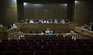 Δίκη Χρυσής Αυγής: Προκαλεί ο πυρηνάρχης Πειραιά - «Σκευωρία το κατηγορητήριο»