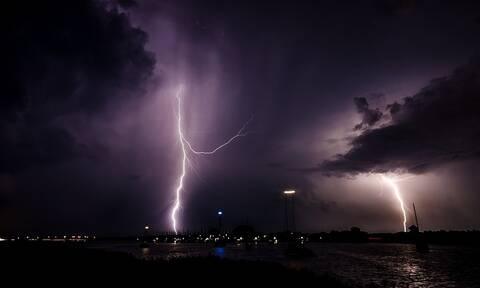 Έκτακτο δελτίο καιρού ΕΜΥ: Ψυχρό μέτωπο θα σαρώσει την Ελλάδα - Έρχονται βροχές, καταιγίδες και κρύο