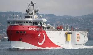 Τι ετοιμάζουν οι Τούρκοι; «Ύποπτες» κινήσεις του Oruc Reis και των συνοδευτικών πλοίων