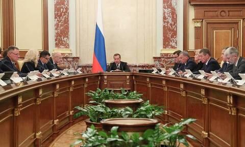 Медведев сообщил, что федеральный бюджет ближайших трех лет будет профицитным
