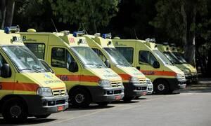ΕΚΑΒ: Απομακρύνονται τα παροπλισμένα ασθενοφόρα από το νοσοκομείο «Σωτηρία» (pics)
