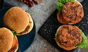 Πανεύκολη συνταγή για vegan μπιφτέκια με φασόλια