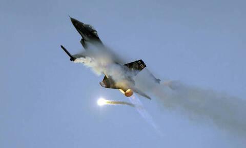 Γαλλία: Συνετρίβη F-16 σε κατοικημένη περιοχή – Σώοι οι δύο πιλότοι (pics)