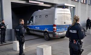 Γερμανία: Πρόσφυγας φέρεται να κρατά όμηρο μωρό