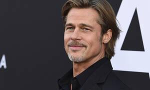 Έτσι «κερνάει» ο Brad Pitt! Δες το video που έχει γίνει viral