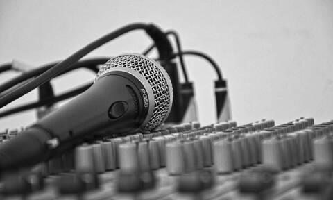 Σε κώμα Έλληνας τραγουδιστής - Ένα θαύμα περιμένει η οικογένειά του