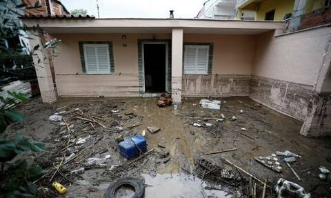 Εικόνες Βιβλικής καταστροφής στη Νέα Ευκαρπία: Λάσπη, ζημιές και προβλήματα μετά τη νεροποντή