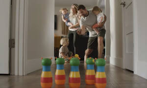Η ζωή με 4 παιδιά κάτω των τριών ετών; - Το βίντεο που έγινε viral (vid)