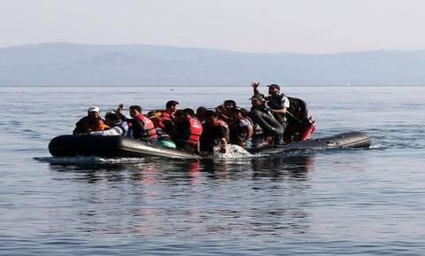 У берегов Кипра спасены 10 беженцев, находившихся на борту лодки в аварийном состоянии