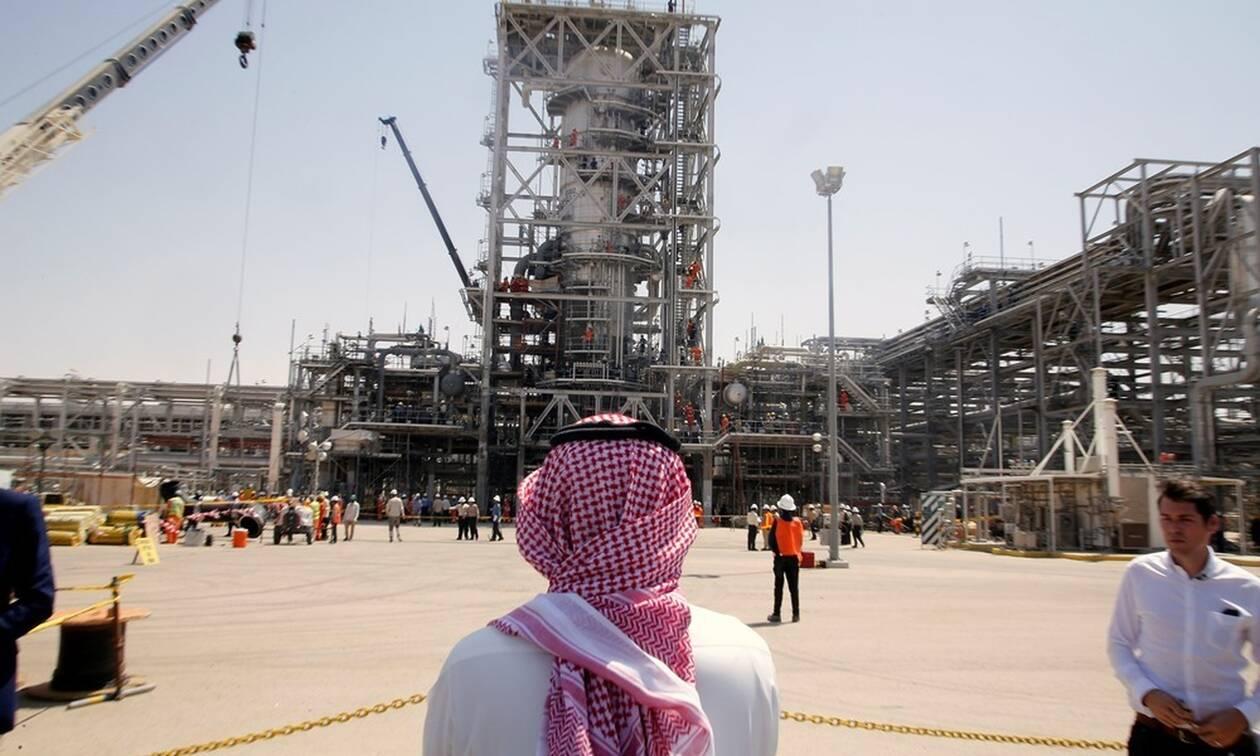 Σαουδική Αραβία: Οι πρώτες φωτογραφίες από τις πετρελαϊκές εγκαταστάσεις που δέχθηκαν επίθεση