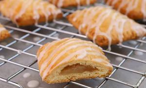 Η συνταγή της ημέρας: Ατομικά πιτάκια με αχλάδι