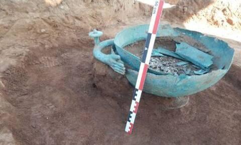Φλώρινα: Στο φως σπουδαία ευρήματα - Τι εντόπισαν σε 209 τάφους (pics)