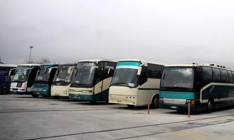 Κρήτη: Τρόμος στην Εθνική Οδό – Τι έπεσε πάνω σε λεωφορείο (pics)
