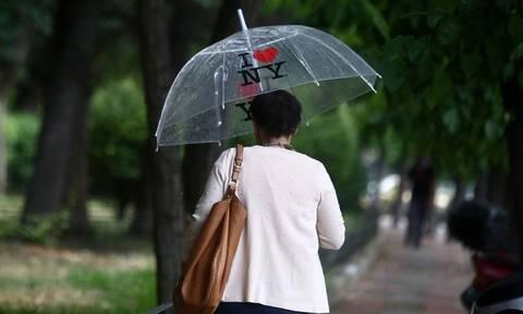 Καιρός Σαββατοκύριακο: Άστατος με πτώση της θερμοκρασίας και ισχυρούς βοριάδες - Πού θα βρέξει