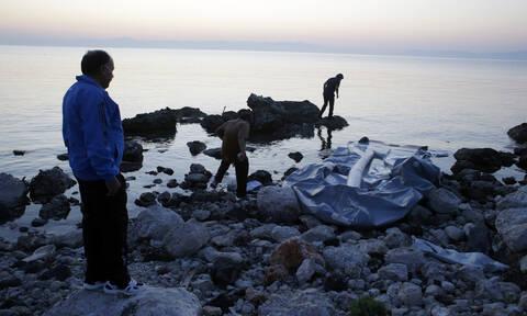 Συναγερμός στην κυβέρνηση για τις αυξημένες προσφυγικές ροές στο βόρειο Αιγαίο – Σύσκεψη στο Μαξίμου