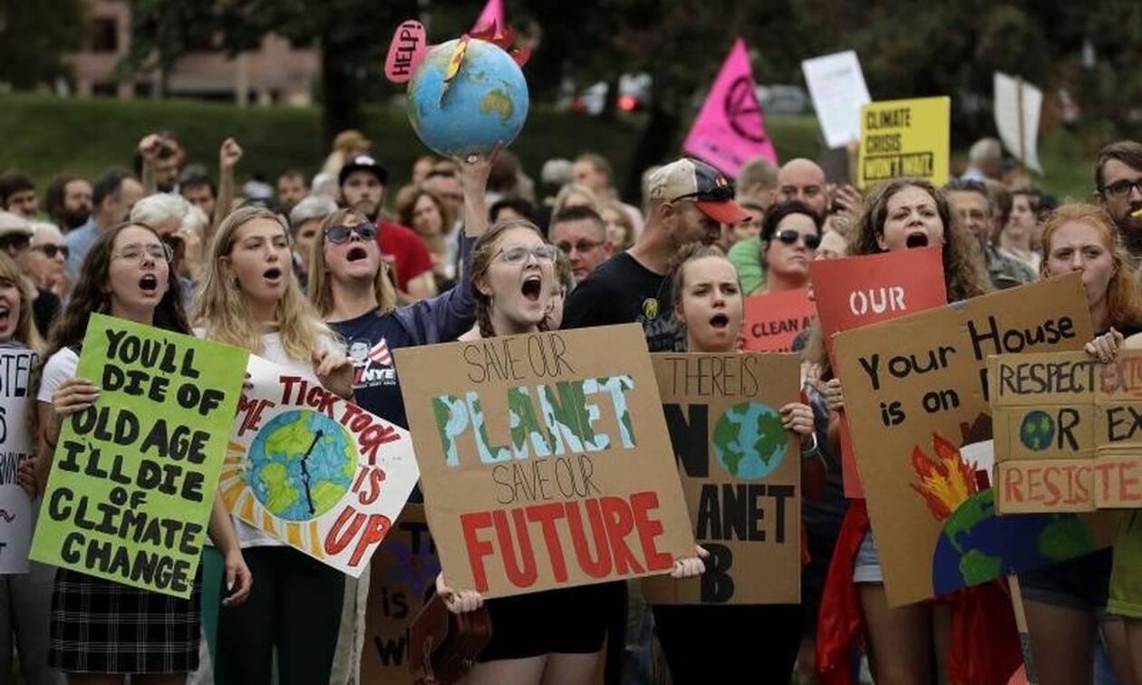 Παγκόσμια απεργία για το κλίμα: «Είμαστε το μέλλον» - Χιλιάδες νέοι ένωσαν τις φωνές τους στον κόσμο