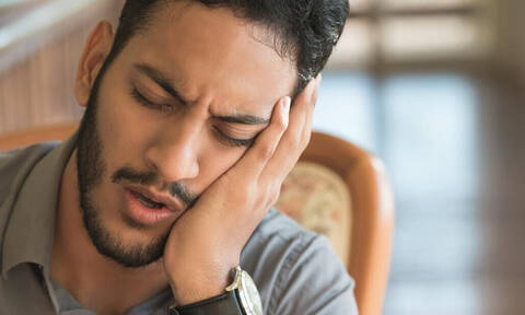 Πονόδοντος: 5 λόγοι που μπορεί να σε πιάσει