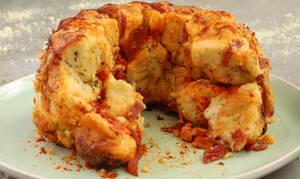 Η συνταγή της ημέρας: Pizza Monkey bread