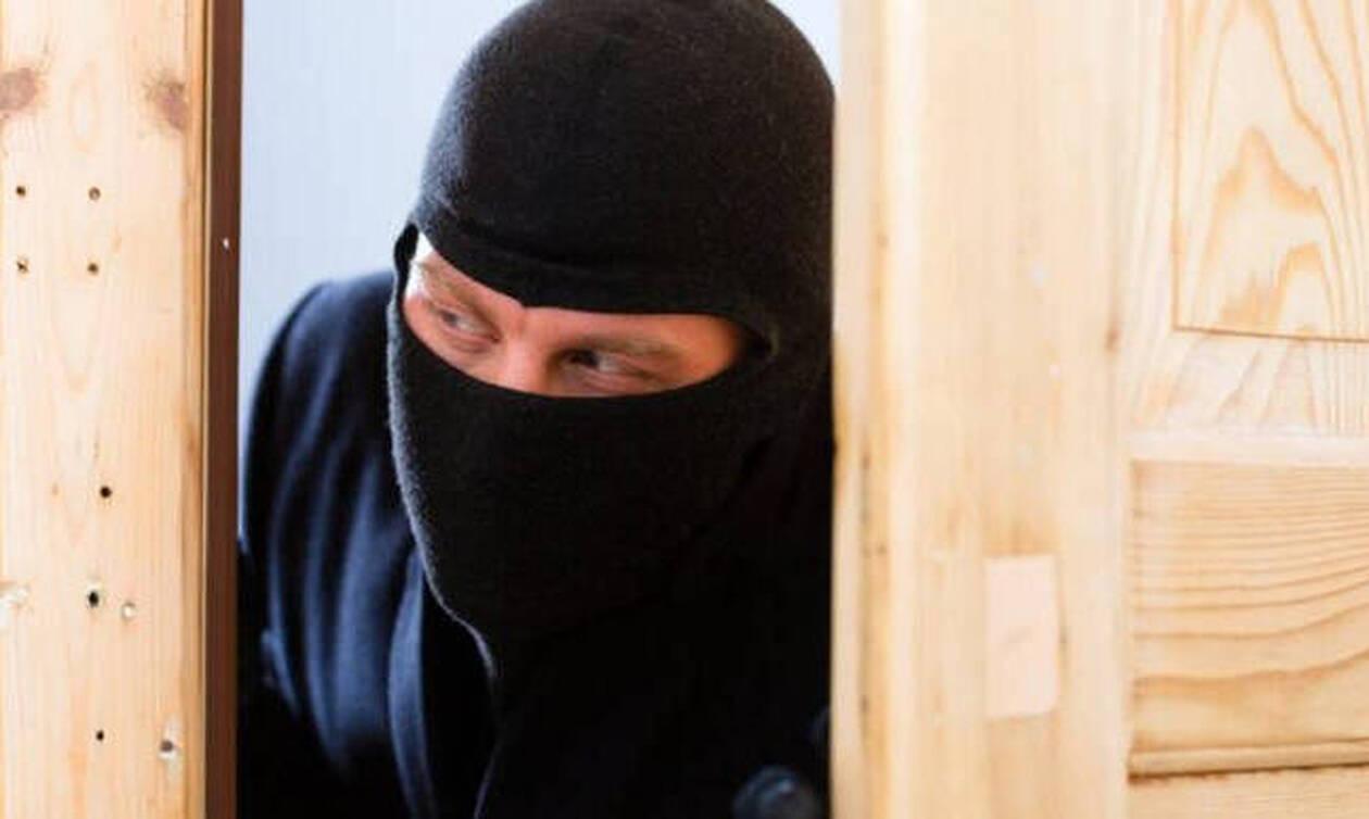 Κύπρος: Σκηνές τρόμου για νεαρή κοπέλα - Δέχθηκε επίθεση στο σπίτι της