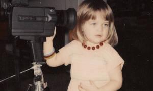 Το κοριτσάκι της φωτογραφίας είναι σήμερα 43ετών και κούκλα ηθοποιός;